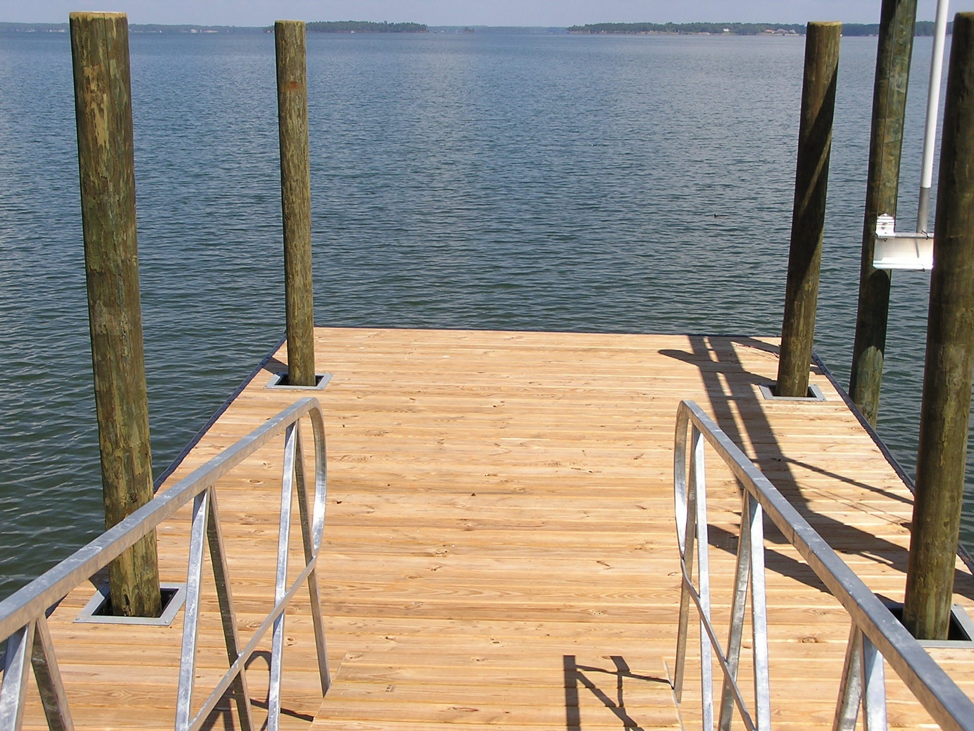 Big Water Floating Dock with 4 Pilings